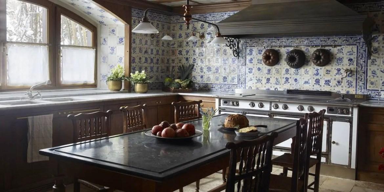 2classic-portuguese-tiles