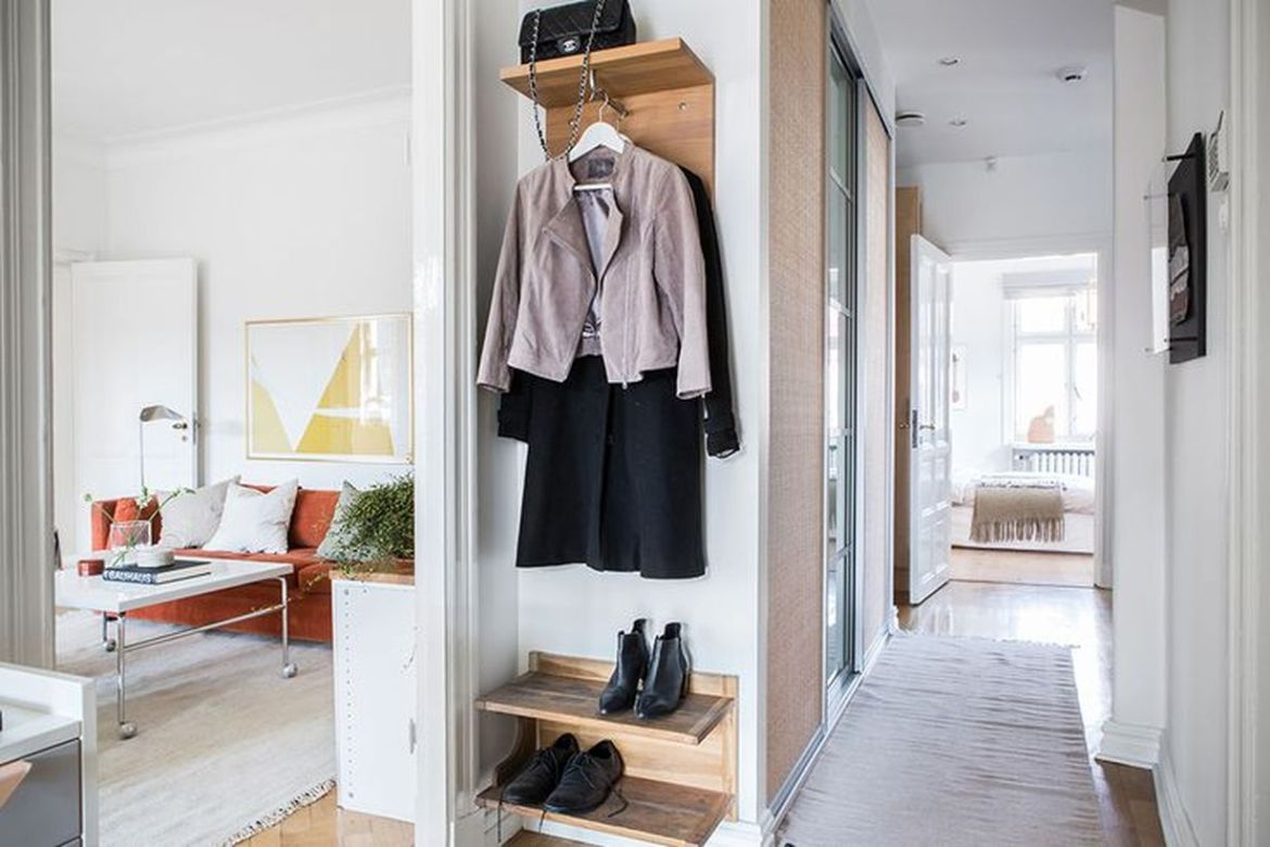 4entryway-in-a-tiny-space