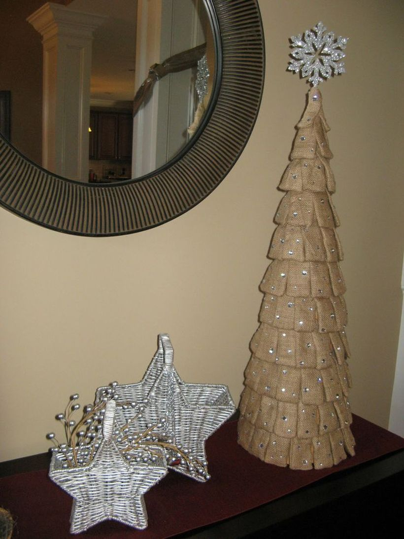 Burlap-christmas-tree-like-design
