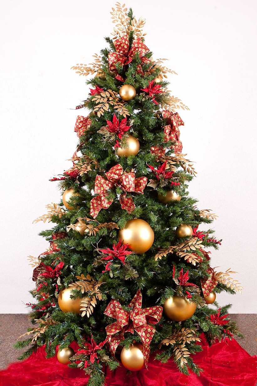 Gold-christmas-tree-decoration-ideas
