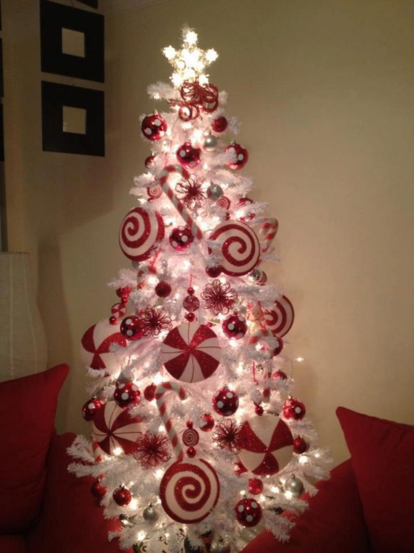 White-christmas-tree-with-red-decoration-2-800x1067