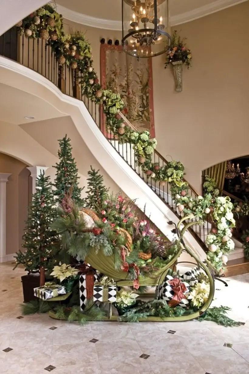 Fun-and-creative-sleigh-decor-ideas-for-christmas-14-554x832