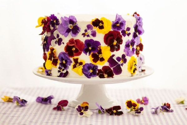1-bedible-flower-cakes-10