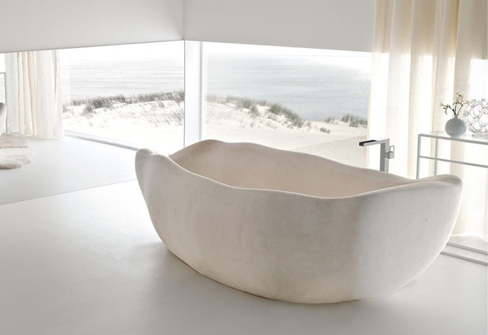 2-700x480-le-acque-tub-is-a-limited-edition-bathtub-designed-by-claudio-silvestrin-for-toscoquattro_-and-is-made-from-supai-stone-1