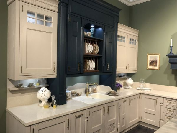 3-blue-and-white-two-tone-kitchen-cabinets