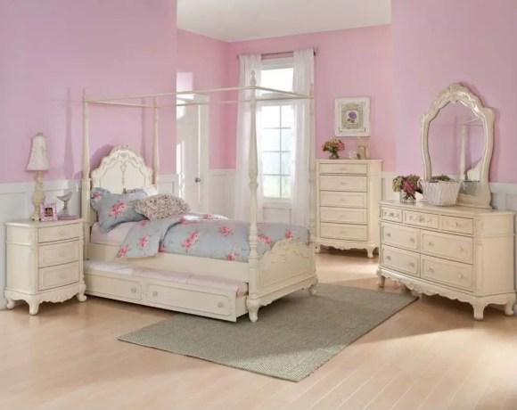 3-white-bedroom-fur2