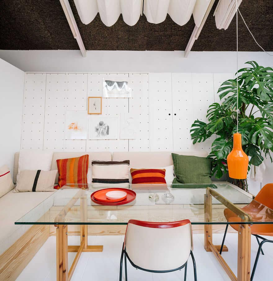 This simple house has an awesome interior that everyone will love 3