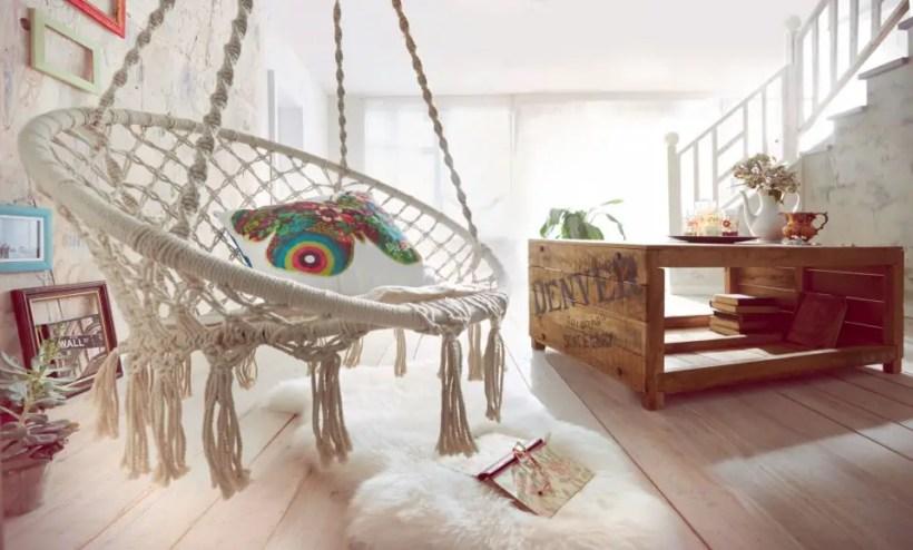 Macrame-hanging-chair