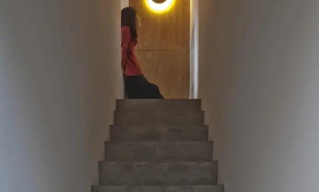 159437559380726_steps_lead_to_loft_bedroom_chengzhi