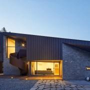 1594819233176studio_eon_slope_house-w03-1