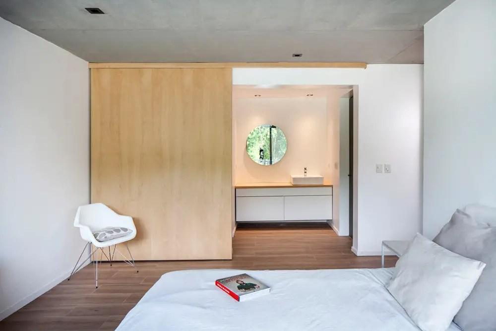 Black-house-v2-arquitectos-city-bell-la-plata-argentina_dezeen_2364_col_7