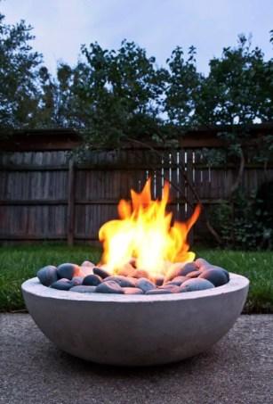 Modern-concrete-firepit.