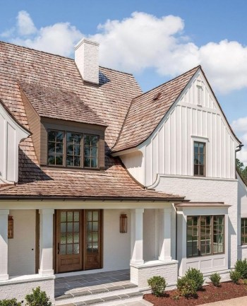 Astonishing-exterior-paint-colors-ideas-for-house-with-brown-roof-42-1