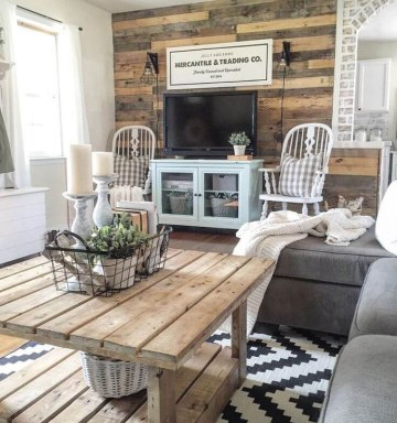 Rustic-farmhouse-wooden-wall-decor-and-finishes