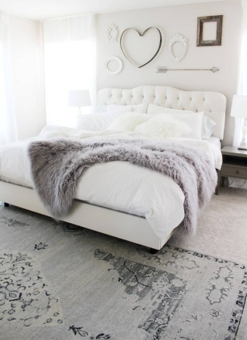 03-romantic-bedroom-decor-ideas-homebnc