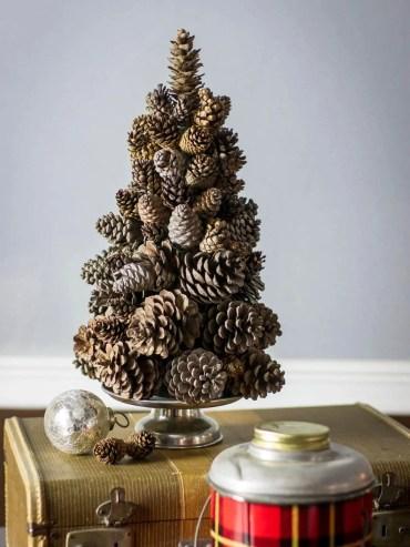 08-diy-pine-cone-crafts-ideas-homebnc-v2