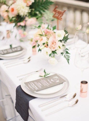 1 20-blush-and-ivory-flowers-for-a-romantic-and-light-table-setting