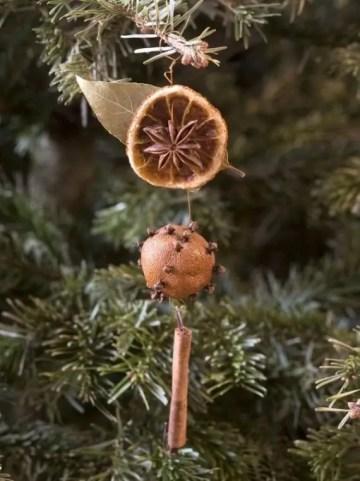 1 dried-orange-and-cinnamon-ornament-1