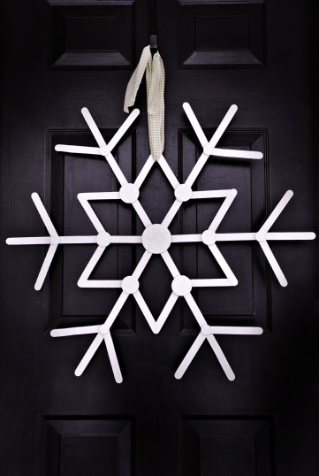 1-front-door-giant-snowflake