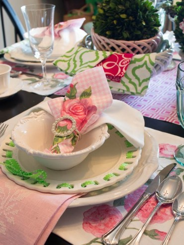 1 pink-green-table-setting-ideas-2