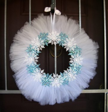 11-diy-snowflake-wreath