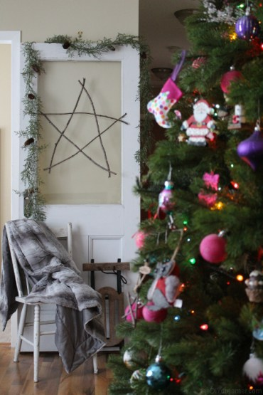 16.-oversized-star-ornaments