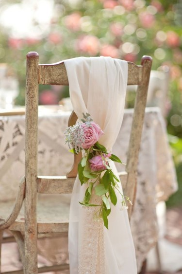19-chairs-with-fabric-and-floral-posies