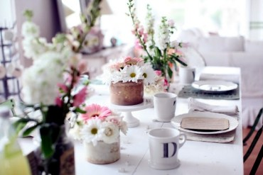 20-ideas-for-table-decoration-easter-mood-with-spring-flowers-16-193