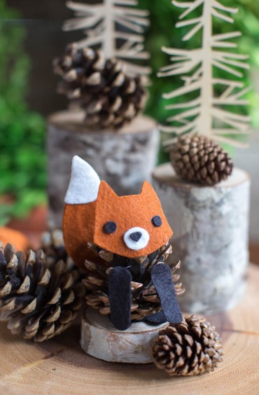 23-diy-pine-cone-crafts-ideas-homebnc_edited