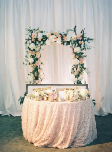 30-fabulous-spring-wedding-reception-decor-ideas-5-500x679