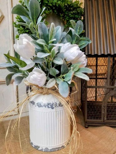 58-catchy-farmhouse-spring-decor-ideas