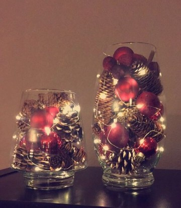 6 fairy-lights-pine-cones-and-small-christmas-ornaments