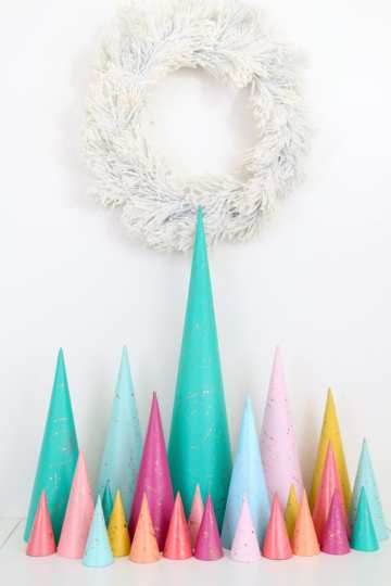 A-kailo-chic-life-diy-copper-splatter-christmas-trees