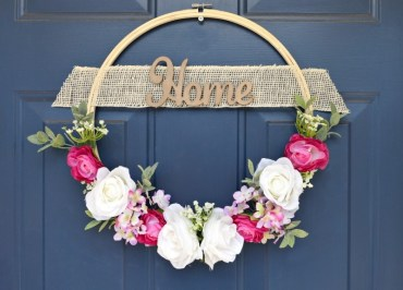 Beautiful-embroidery-hop-wreath