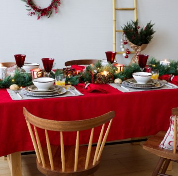 Christmas-dining-table-decor-in-red-and-white-14