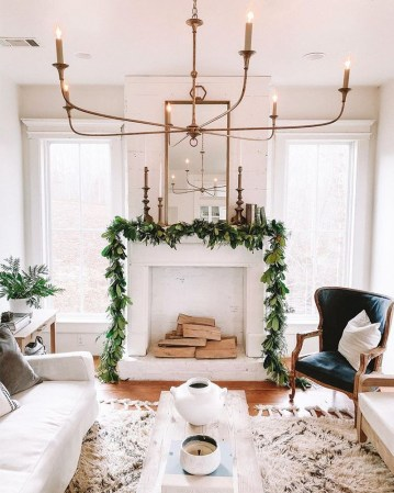 Christmas-fireplace-mantel-ideas-8