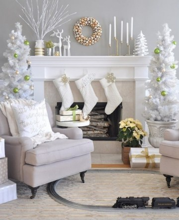 Christmas-mantel-decor-ideas-white-christmas-decorations-trees-stockings-candles