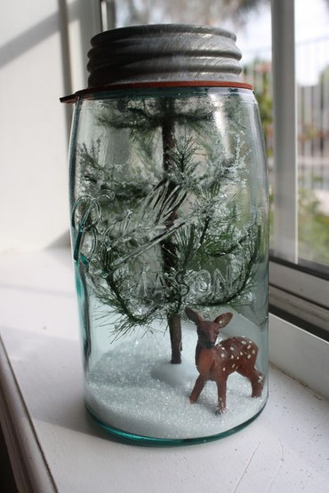 Creative-diy-snow-globe-mason-jars-ideas-5