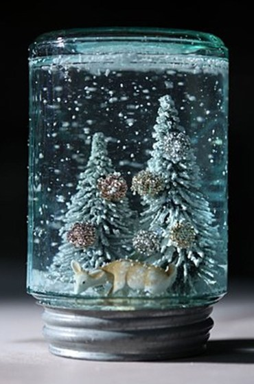 Creative-diy-snow-globe-mason-jars-ideas-62