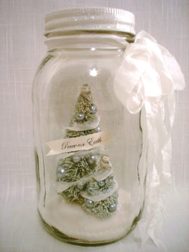 Creative-diy-snow-globe-mason-jars-ideas-66