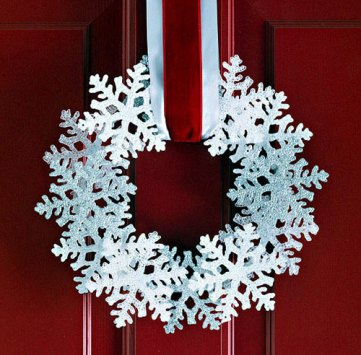 Diy-snowflake-christmas-wreath