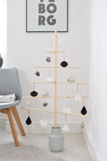 Diy-wooden-scandi-christmas-tree-via-burkatron