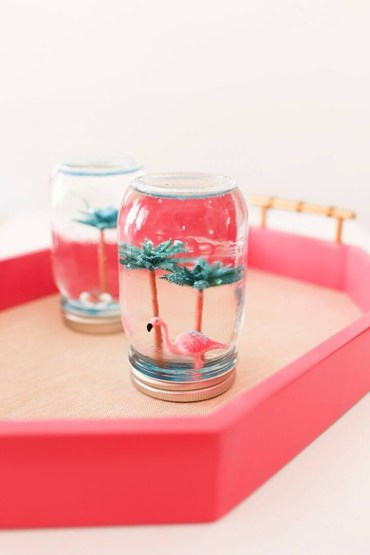 Easy-diy-summer-snow-globes