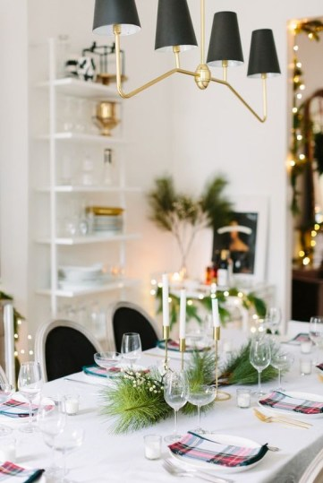 Elizabeth-street-post-beautiful-christmas-table-setting-1
