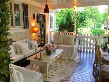 Farmhouse-style-porch-decorating-ideas-16-1-kindesign