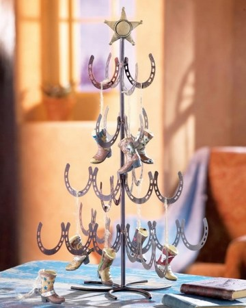 Horseshoe-christmas-tree-ideas-original-christmas-decoration-table-decoration-ideas