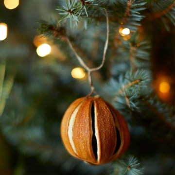 Ideal-home-chi-19-dried-orange-christmas-tree-decoration-920x920
