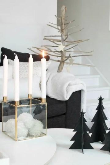 Scandi-christmas-coffee-table-decor-via-annelinsoroy