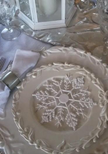 Winter-white-table-idea