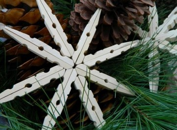 Christmas-ornaments-diy-white-clothespins-star-tree-decorating-ideas